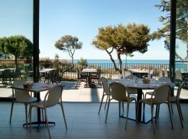 Village de Vacances le Lazaret, hotel in Sète