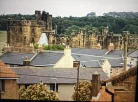 The Gilberts Holiday Home, hotel near Alnwick Castle, Alnwick