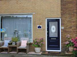 Kerstins Bed and Breakfast, budget hotel in Egmond aan Zee