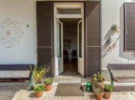 Coimbra Erasmus House - Guest House, alojamento para férias em Coimbra