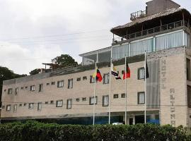 Hotel Altomar – hotel w mieście Catia La Mar