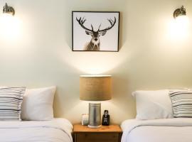 West Coast Trail Lodge, hotel in Port Renfrew