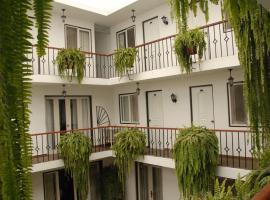 Residencial Carlos, hotel near Bustamante Park, Lima
