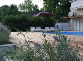 Serenity Luxury Villa, Skiathos, luxury hotel in Agia Paraskevi