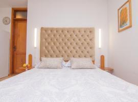 Apartmani VILLA KALINIC, family hotel in Njivice
