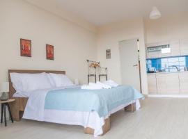 Rising Sun studios - Old Town, hotel near Xanthi Town Hall, Xanthi
