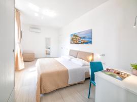 B&B La Gioia, hotel in zona Porto di Ischia, Ischia