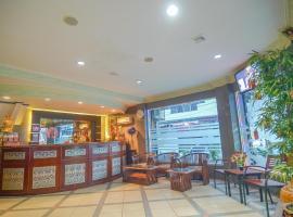 RedDoorz near Tugu Naga Singkawang, hotel in Singkawang