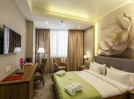Renion Hills Hotel, hotel near Boluan Sholak International Exhibition and Sports Centre, Almaty