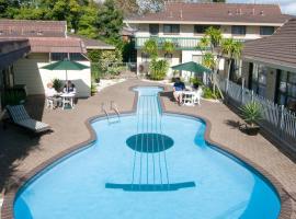 Dukes Midway Lodge, hotel near Dressmart Onehunga, Auckland