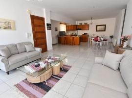 Family, beach hotel in Psalidi