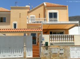 Casa d'Amélia, beach hotel in Armeñime