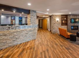 Best Western Plus Country Meadows Inn, hotel near Abbotsford International Airport - YXX, Aldergrove