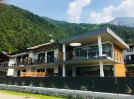 Seia Mountain Wellness, Hotel in Mezzolago