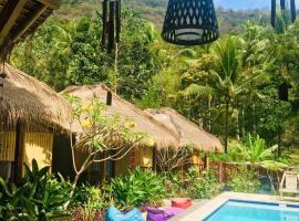 Natural Wooden House, hotel in Senggigi