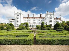 Danesfield House Hotel And Spa, hotel in Marlow