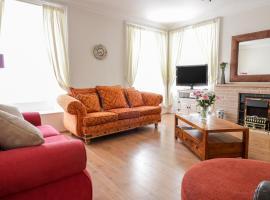 East Beach Apartment, hotel in Dunbar