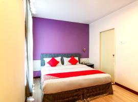 OYO 43930 Hotel Esplanade, hotel di Sandakan