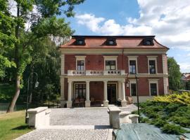 Hotel Charlotta, hotel in Jedlina-Zdrój