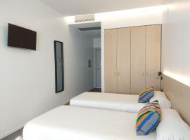 Centre Esplai Albergue, hotel cerca de Aeropuerto de Barcelona - El Prat - BCN,