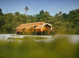 Spice Coast Cruises - Houseboat, boat in Alleppey