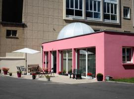 Résidence La Providence ZENAO Lisieux, accessible hotel in Lisieux