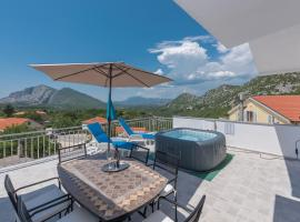 Apartment Panoramico, hotel with jacuzzis in Brela