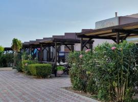 Hotel Aphroditi Island Park, hotel near Strikers Bowiling Center, Alexandroupoli