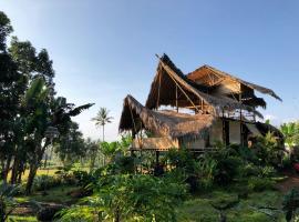Bamboo & B, family hotel in Licin