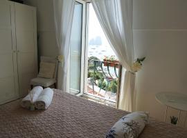La Finestra sui Faraglioni, apartment in Capri