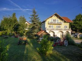 Studio Apartments Eagle, hotel in Rakovica
