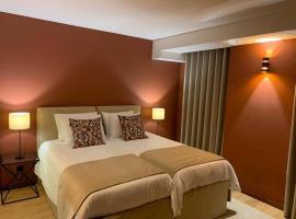 Portfólio Guest House Premium, nhà nghỉ B&B ở Porto