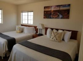 Private Suite Getaway near Grand Canyon Sleeps 6, apartment in Valle