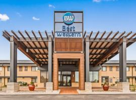 Best Western West Towne Suites, hotel in Madison