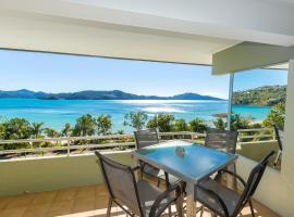 Lagoon Beachfront Lodge 201 on Hamilton Island by HamoRent, apartment in Hamilton Island