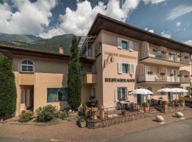 Gasthof Mondschein, hotel a Naturno