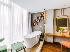Winsuites Saigon, hotel in Ho Chi Minh City
