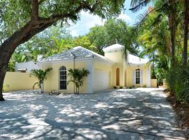Siesta Getaway, villa in Sarasota