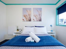 Pacific Coast Lodge and Backpackers, hotel in Mount Maunganui