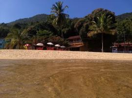 Pousada Tony Montana, beach hotel in Praia de Araçatiba