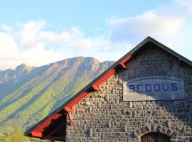 Transhumance& cie, hotel in Bedous