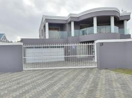 House of STM, villa in Cape Town