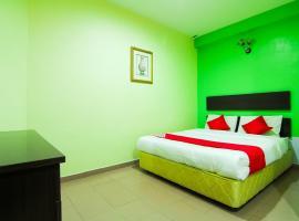 OYO 43962 Ezzy In Hotel, hotel in Lumut