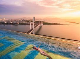 Danang Golden Bay, hotel near Thuan Phuoc Field, Da Nang