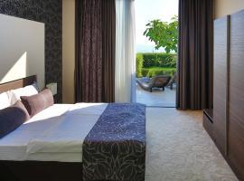 Hotel Beach Split, room in Podstrana