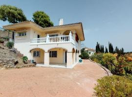Casa Franyco - Stunning Villa, hotel in Mijas