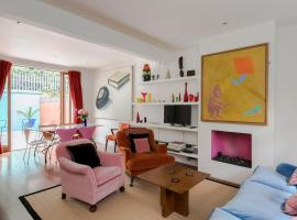 Dressed to the Nines Near Portobello Road Notting Hill, holiday home in London