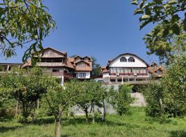 Casa Marlenka, Bed & Breakfast in Nufăru