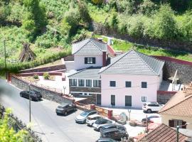 Casa do Ribeiro Frio, hôtel à Santana près de: Pico Ruivo peak