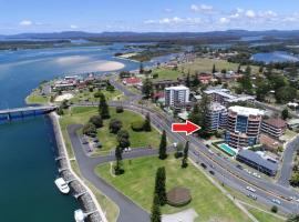 Heritage unit 101/18 Manning Street, Tuncurry, hotel in Tuncurry
